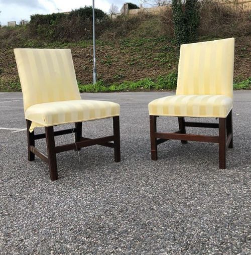 a pair of 18thc mahogany side chairs