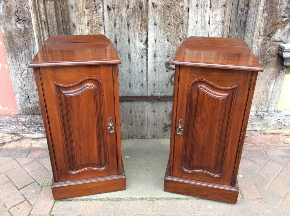 a pair of 19thc mahogany bedside cabinets